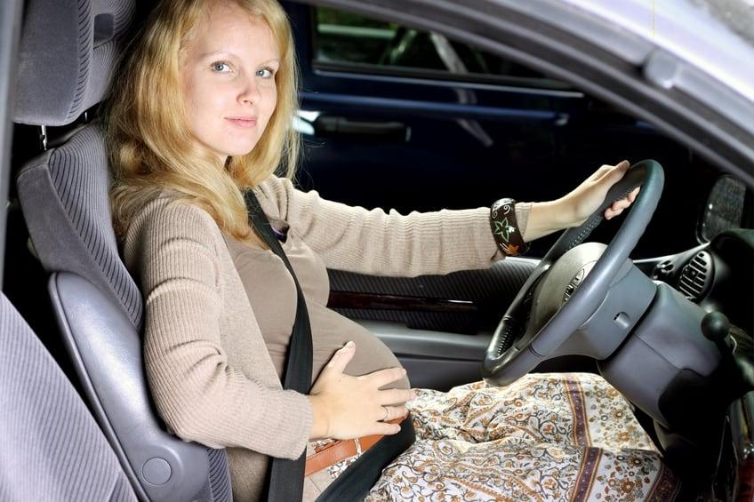Schwanger mit dem Auto reisen