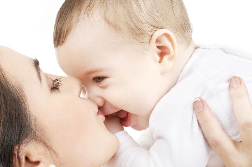 Eltern infizieren Baby