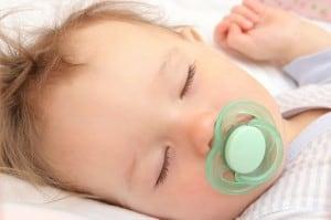 Schnuller beim Schlafen
