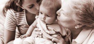 Was wenn Oma sich zu viel einmischt? (© Thinkstock)
