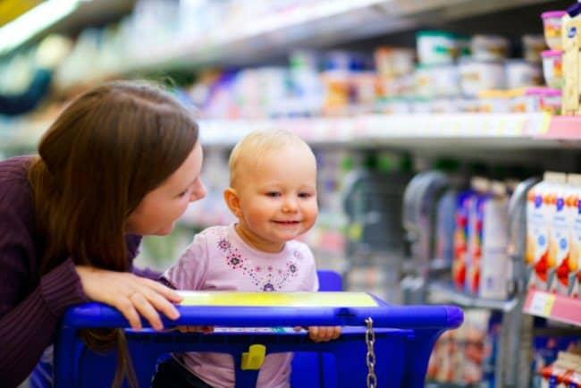 schreiendes kind im supermarkt