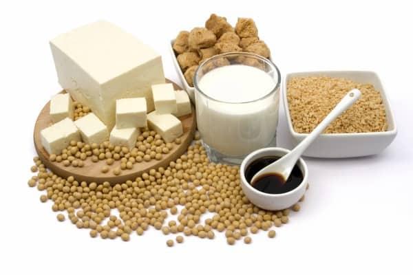 Besonders wichtig: Eiweiße bei vegetarischer Ernährung in der Schwangerschaft (© Thinkstock)