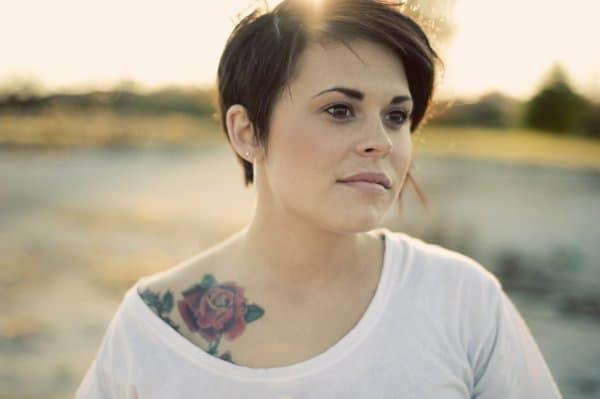 Tattoo in der Schwangerschaft? (© Thinkstock)