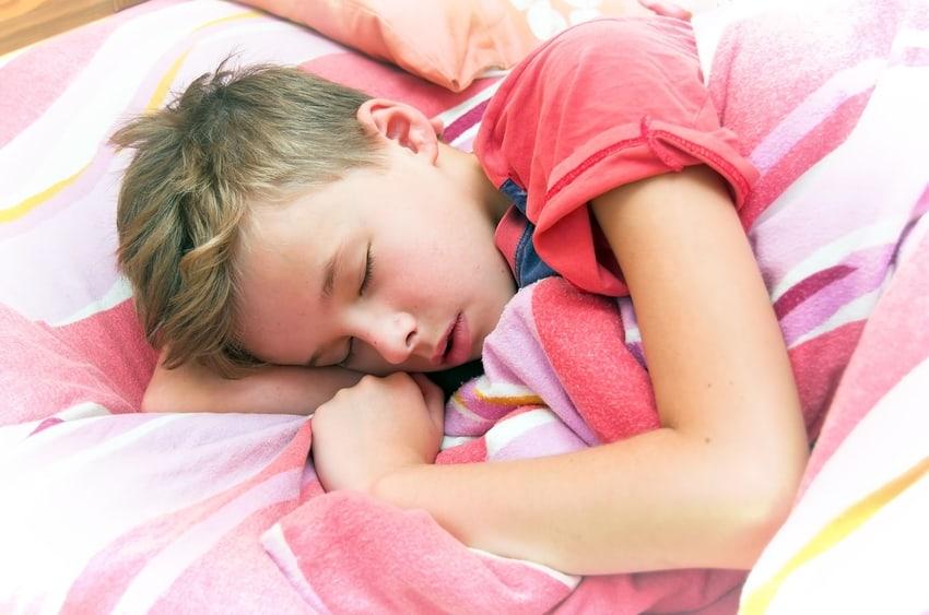 подростков девочка 8 лет очень потеет когда спит анус