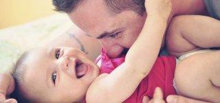 Thinkstock)Papakind oder Mamakind? Was wenn Kinder einen Elternteil bevorzugen? (