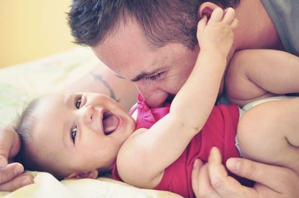 Papakind oder Mamakind? Was wenn Kinder einen Elternteil bevorzugen? (©Thinkstock)