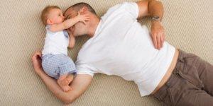 Väter nehmen häufiger Elterngeld in Anspruch