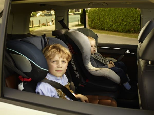 adac kindersitztest 2013 erstmals reboarder im test. Black Bedroom Furniture Sets. Home Design Ideas
