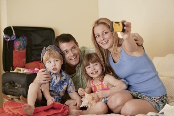 Immer mehr Jugendherbergen sind ganz auf Kinder und Familien eingestellt (© Comstock)
