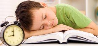 Studie: Schlafrhythmus kann geistige Entwicklung von Kindern beeinflussen (© Thinkstock)