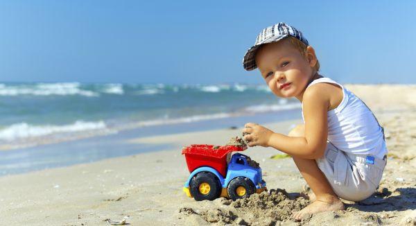 strand und sandkasten die gr ten gefahren f r babys und. Black Bedroom Furniture Sets. Home Design Ideas