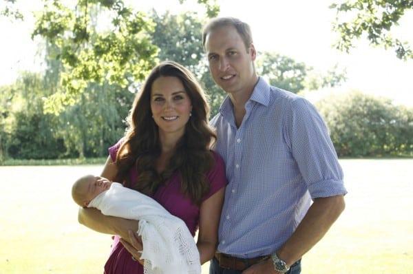 Die junge königliche Familie - mit Baby George im großelterlichen Garten