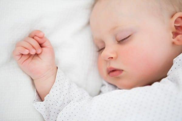 Schlafendes Baby (© Thinkstock)