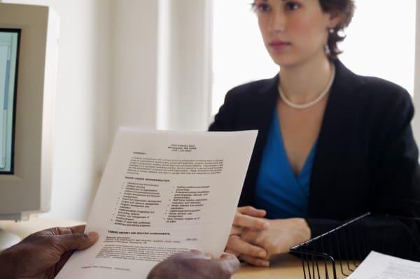 Neues Urteil: Entscheidung nach Frage nach Schwangerschaft im Bewerbungsgespräch (Symbolfoto: Creatas Images)