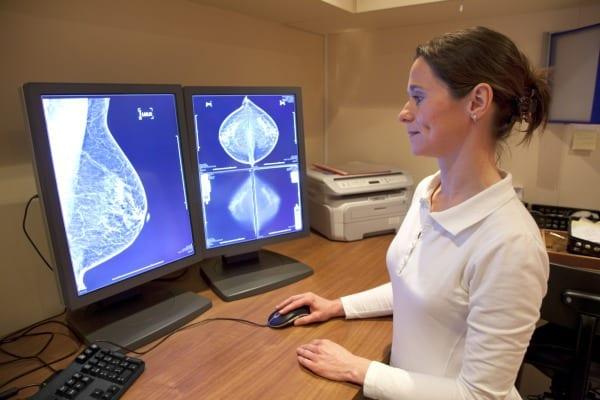 Studie: Erhöhtes Brustkrebsrisiko durch Alkoholkonsum (Symbolfoto: © Thinkstock)