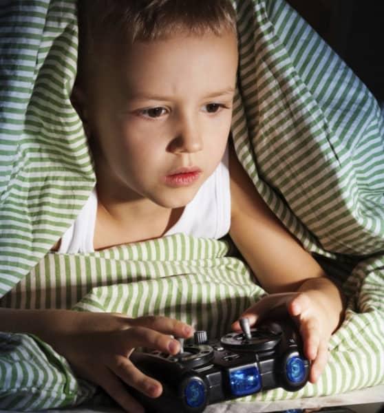 Vorgeburtlicher Testosteroneinfluss ist Risikofaktor für Computerspielesucht (© Thinkstock)