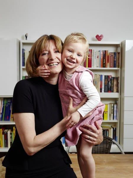 Angela Schmidt kümmert sich um die Betreuung von kranken Kindern