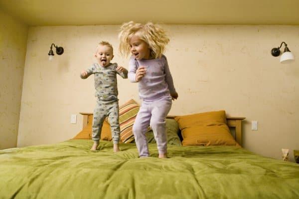 Wer am Mittag schläft, ist am Abend oft putzmunter (© Thinkstock)