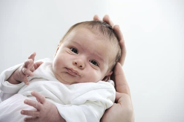 Neugeborenes - Probiotika sollen Darmkoliken vorbeugen (Thinkstock)