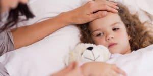 Im Notfall - Betreuung auch für kranke Kinder (© Thinkstock)