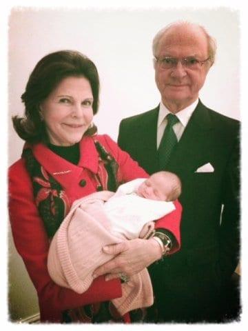 Stolze Großeltern: König Carl Gustaf und Königin Silvia von Schweden (c) Prinzessin Madeleine, kungahuset.se
