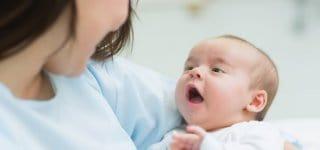Hebammen betreuen Mütter und Kinder in der Schwangerschaft, der Geburt und der Nachsorge