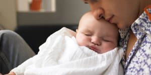 Immer mehr Väter beantragen Elterngeld © Thinkstock