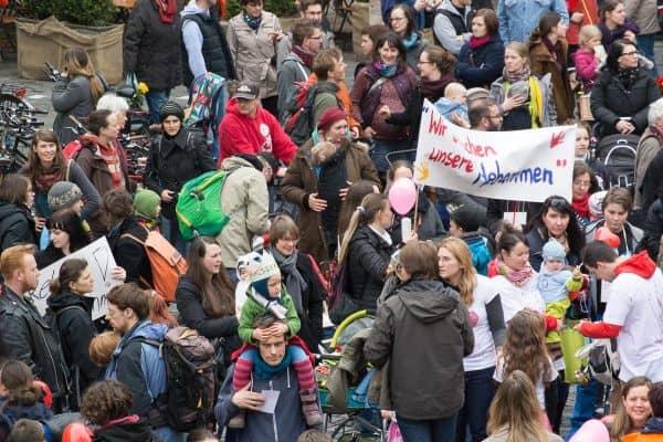 Hebammenprotest Demo in Leipzig - Platz vor der Nikolaikirche (© A. Goldmann)