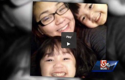 Mindy Tran warf sich vor ihr rollendes Auto, um ihre darin sitzenden Zwillinge zu retten (Screenshot von wcvb.com)