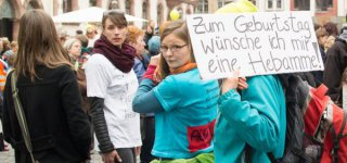Hebammenprotest Demo in Leipzig - Platz vor der Nikolaikirche(© A. Goldmann)