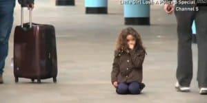 Soziales Experiment: Wer hilft einem Kind? (Screenshot: ITN)