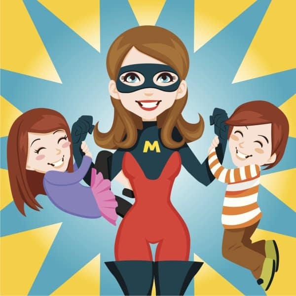 Mütter besitzen übermenschliche Kräfte (© Thinkstock)