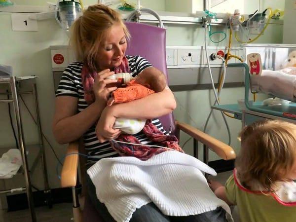 Mutter Claire konnte Emily mit gespendeter Muttermilch füttern © privat/Emilys Journey