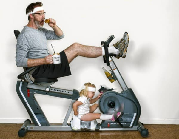 Vater-Kind-Work-out © Dave Engledow/World's Best Father