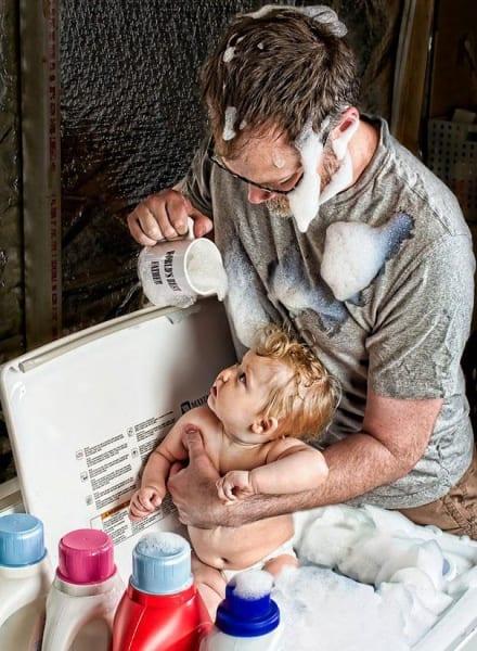 So wäscht der Mann von Welt sein Kind © Dave Engledow/World's Best Father