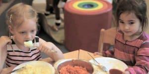 Das Essen in vielen Kitas ist mangelhaft © Bertelmann Stiftung/ Screenshot youtube
