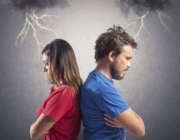Zahl der Scheidungen im Jahr 2013 gesunken (© Thinkstock)