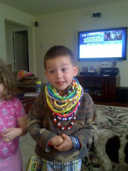 Auch Jungen lieben Schmuck ©Mommyshorts.com