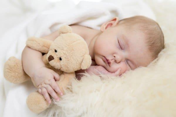 Schaffelle können Babys vor Asthma schützen (© Thinkstock)