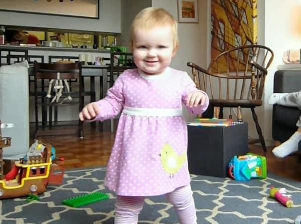 Lucy mit stolzem Laufänfänger-Lächeln © Nick Turner/youtube
