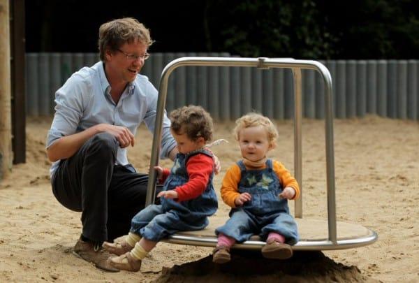 Kinder wie die Zwillinge Lotte und Elma motivieren ihre Papas ©Thinkstock
