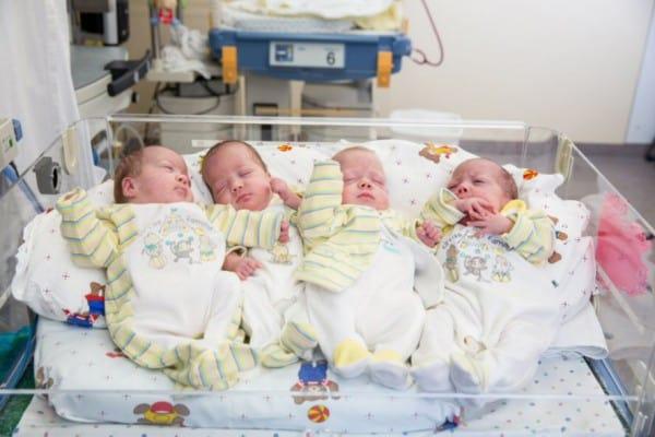 Die Vierlinge Eva, Maria, Sara und Hanna © Universitätsklinikum Freiburg/Britt Schilling