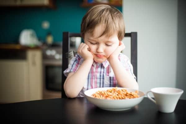 Kinder lassen mehr als ein Drittel auf dem Teller liegen (© Thinkstock)