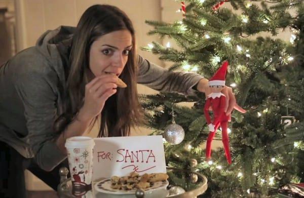 Aber sicher nascht der Weihnachtsmann von den Keksen ... ©WhatsUpMoms, youtube