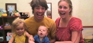 Freunde und Familienangehörige freuen sich über die Baby-News © themichaels/youtube