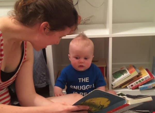 Nichts geht über ein richtiges gutes Buch ... © leesedanielle/youtube screenshot