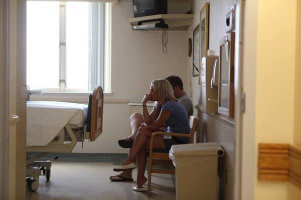 Warten auf das Adoptivbaby im Krankenhaus