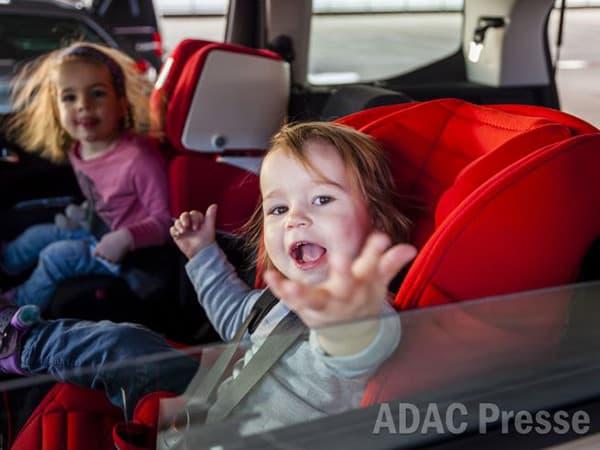 Kindersitze im Test 2015 (Quelle: ADAC 10/2015)