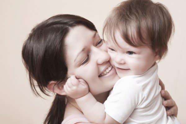 Berufstätige Mütter sind zufriedener - das wirkt sich auf das Kind aus (c) Thinkstock