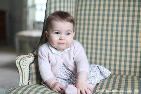 Sehr ladyhaft im süßen Kleidchen © HRH The Duchess of Cambridge /Facebook